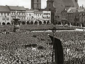 Německých okupantů bylo při vojenských přehlídkách plné náměstí, popisuje rok 1939 Jan Schinko