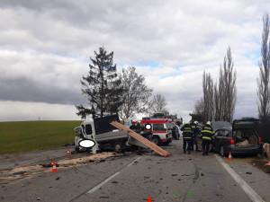 Na Písecku se stala vážná dopravní nehoda, silnice je neprůjezdná