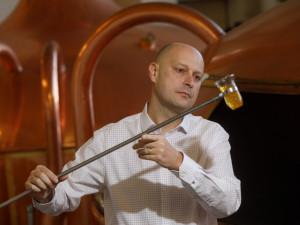 Adam Brož, sládek Budvaru, si k pivovarnictví přidal i logistiku na VŠTE