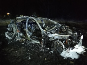 VIDEO: Řidič z noční nehody ujížděl vysokou rychlostí už od Benešova. V autě měla být i pistole