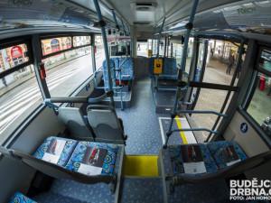 Hráči Dynama budou dnes v autobusech rozdávat vajíčka, podmínkou je zelená barva