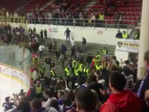 VIDEO: Dnešní zápas Motoru s Kladnem se neobešel bez rvačky