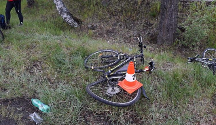 Osobák se srazil s cyklistou, ten na místě zemřel