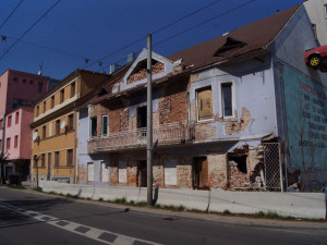 Bývalý kabaret v Průmyslové ulici by měl nakonec zbourat stavební úřad