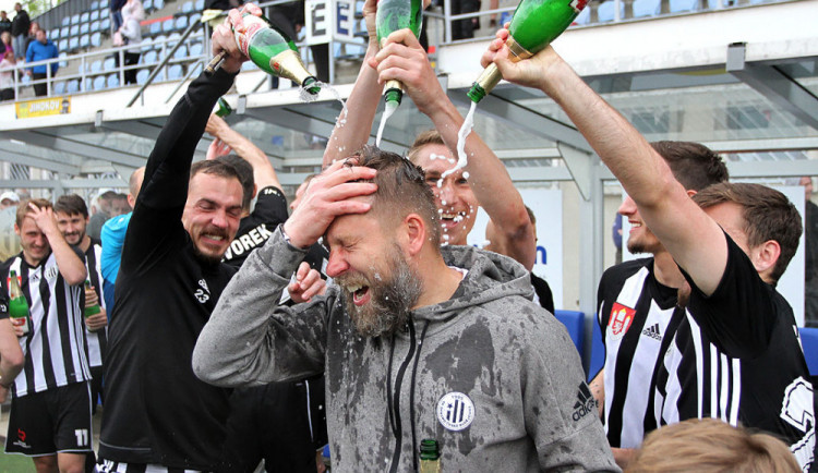 FOTO/VIDEO: Dynamo porazilo Chrudim a slaví návrat do nejvyšší soutěže