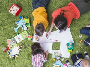 Viva Bambini děti zabaví i o prázdninách. Těšit se mohou na umělecký program i hrátky s angličtinou