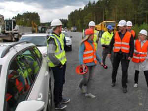 Dopravní výbor zastupitelstva kraje kontroloval postup prací na úseku dálnice D3. Vše jde prý podle plánu