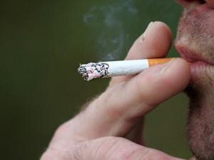 Za dva roky protikuřáckého zákona ubylo hospitalizací i kuřáků