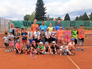 Oblíbené letní dětské tenisové kempy budějckého klubu LTC se uskuteční i letos. Vhodné jsou i pro začátečníky