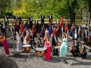 Jihočeskou filharmonii čeká devětatřicátá sezona. Vystoupí v celovečerním filmu