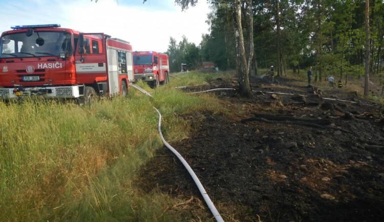 Páteční požár stohu na Písecku způsobil škodu za dvě stě tisíc korun