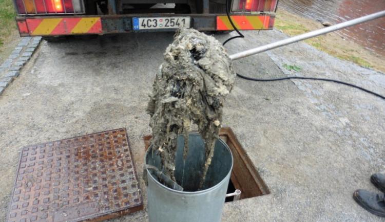 Český Krumlov se zaměří na kontroly vypouštění nevhodného odpadu do kanalizace
