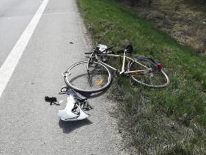 Ve Frymburku havaroval cyklista. Lékaři mu nedokázali pomoct