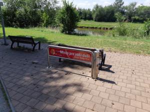 Cyklopumpy v Budějcích jsou terčem vandalů. Tentokrát řádili v Plzeňské ulici