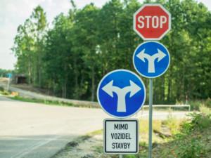 DOPRAVNÍ INFO: Blíží se nová omezení provozu na jihočeských silnicích. Týkají se silnic III/00416 a III/1734