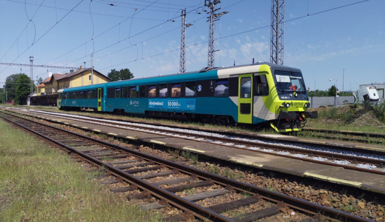 Na rychlíkové lince Praha – Písek – Budějce se  představil vlak Arrivy, vyzkoušet ho přišly přes tři stovky lidí
