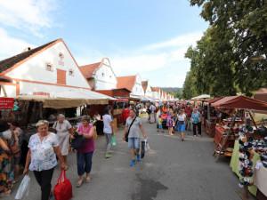 Selské slavnosti v Holašovicích navštívilo více než čtrnáct tisíc lidí