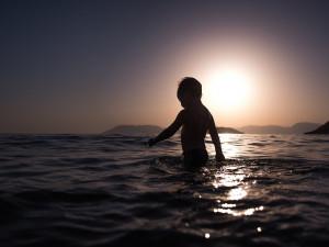 Na Lipně platí vhodná voda ke koupání. Na Orlíku hrozí zdravotní komplikace