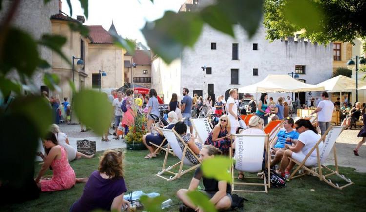 Pouliční umění, street food a perfektní fashion show. Do Budějc se vrací Město lidem, lidé městu