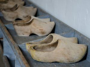 Ve Volarech překonali rekord, dřeváky obulo 310 lidí