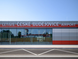 Město by mělo příští rok za provoz letiště zaplatit 72 milionů korun. Částka je podle koalice neúnosná