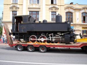 DRBNA HISTORIČKA: Kafemlejnek, nazdárek nebo babička. Před deseti lety byla od nádraží odvezena lokomotiva 310