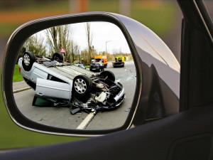 Mladí řidiči ročně zaviní přes 10 tisíc nehod, mají vyšší závažnost