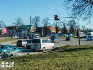 V pátek začne rekonstrukce křižovatky na Dlouhé louce, dopravu bude řídit policie