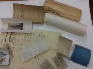 Ve schránce z věže budějovického kláštera byly listiny i kniha
