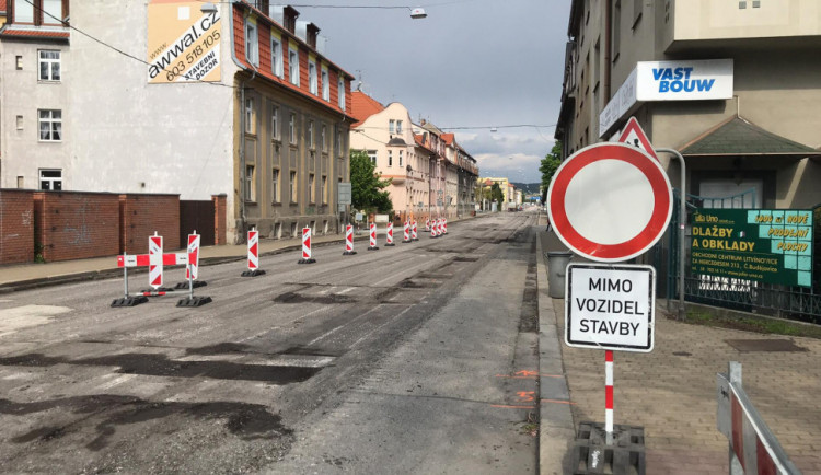 Rekonstrukce Mánesovky by měla skončit o měsíc dřív