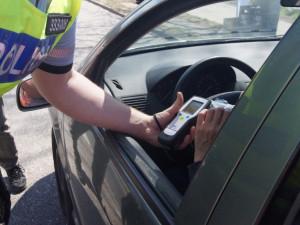 Opilost řidiče prozradil nepřítomný pohled, nadýchal dvě a půl promile