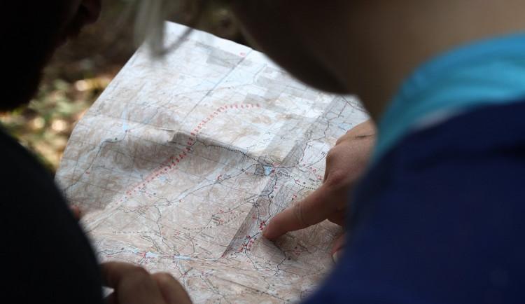 Senior z Českokrumlovska odešel na procházku, policisté ho našli v Rakousku