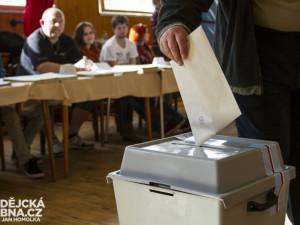 V nových strakonických volbách bude část výlepu plakátů zdarma