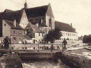 DRBNA HISTORIČKA: Místo za klášterem patřilo vorům a sokolská plovárna byla velkým lákadlem