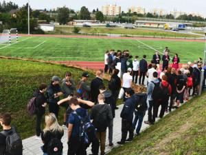 Budějcká automobilní a technická škola má nový sportovní areál. Na výstavbu přispěl kraj