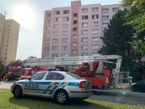 V Krčínové ulici v Budějcích hořel byt. Hasiči evakuovali šest osob