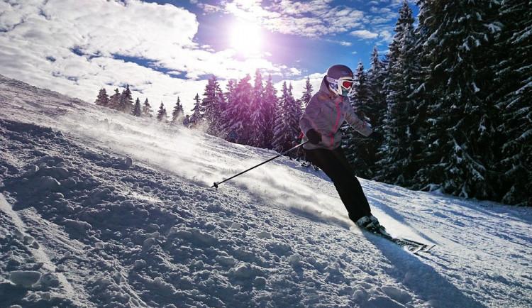 Skiareál Lipno staví nové sjezdovky a lanovku