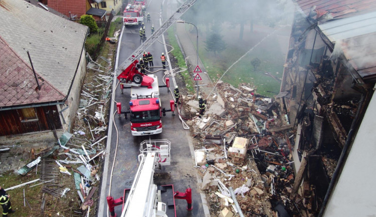Výbuch domu má na svědomí neznámý pachatel, kriminalisté zahájili trestní stíhání