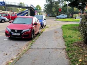 Oprava chodníků na Vltavě vyjde na více než dva miliony korun. Práce začnou na konci října