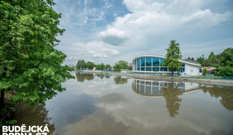 Plavecký stadion se dočká nové střechy, nebyla opravována 50 let