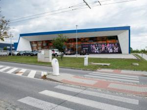 Nová hala pro míčové sporty by mohla stát na Máji u hokejového centra