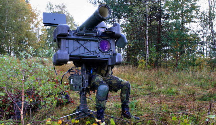 Hodnotitelé z NATO sledovali v Boleticích, jak strakoničtí vojáci  bojují se vzdušným protivníkem