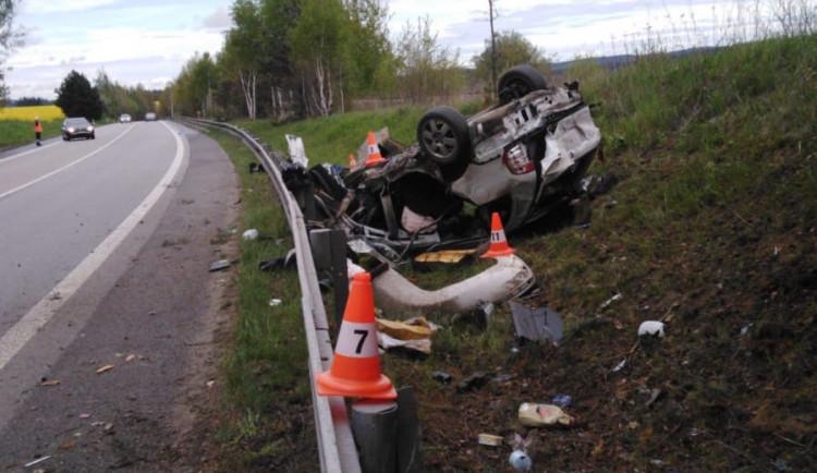 Řidič osobáku usnul a zabil spolujezdce, za usmrcení z nedbalosti bude trestně stíhán
