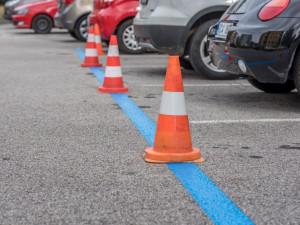 Parkování v našem městě? Za půl roku platíš dvě stě