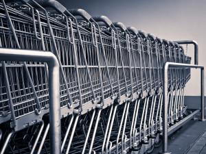 Lidé opět nenakoupí v obchodech větších než 200 metrů čtverečních