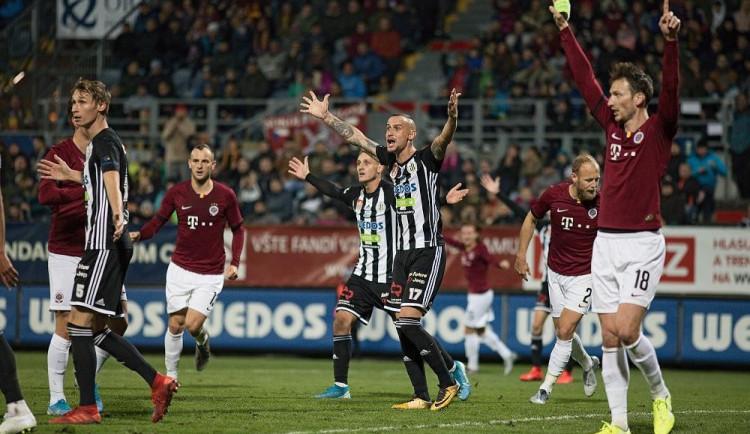 FOTO: Dynamo končí po debaklu v domácím poháru. Sparta si odváží postup po vítězství 4:0