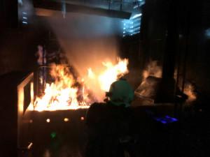 Temelínští hasiči likvidovali požár ve speciálním kamionu
