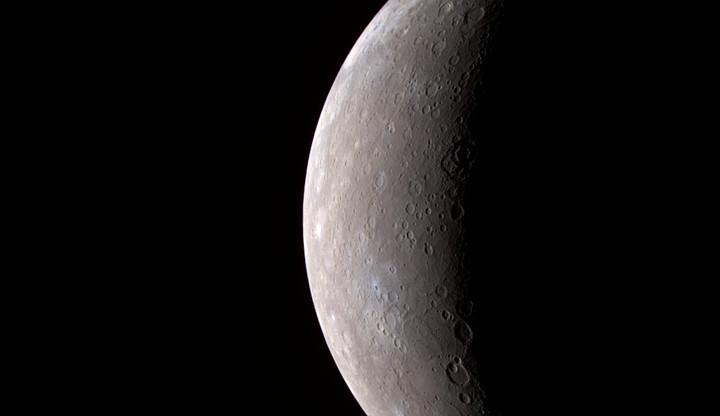Nad Českou republikou bude v pondělí viditelný přechod Merkuru před Sluncem