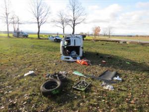 U Štěpánovic se včera stala vážná dopravní nehoda, nepřipoutaný řidič skončil s těžkým zraněním v nemocnici