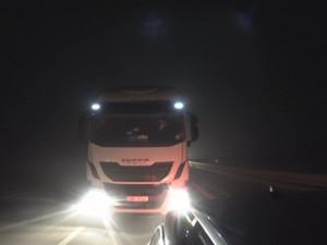 VIDEO: Kamion najížděl na osobák, videem se už zabývá policie